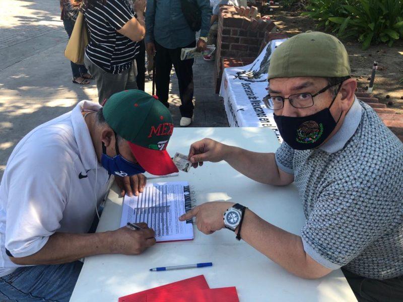 Video: Pese al calor récord que sofoca, miles de mexicanos radicados en Los Angeles votaron por procesar judicialmente a Salinas, Zedillo, Fox, Calderón y Peña Nieto