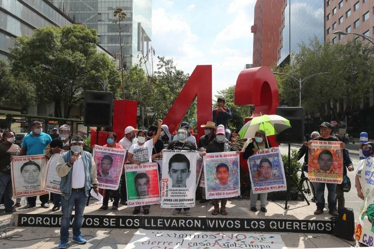 Se entrega Carlos Gómez Arrieta, ex titular de la Policía Federal Ministerial, por caso Ayotzinapa