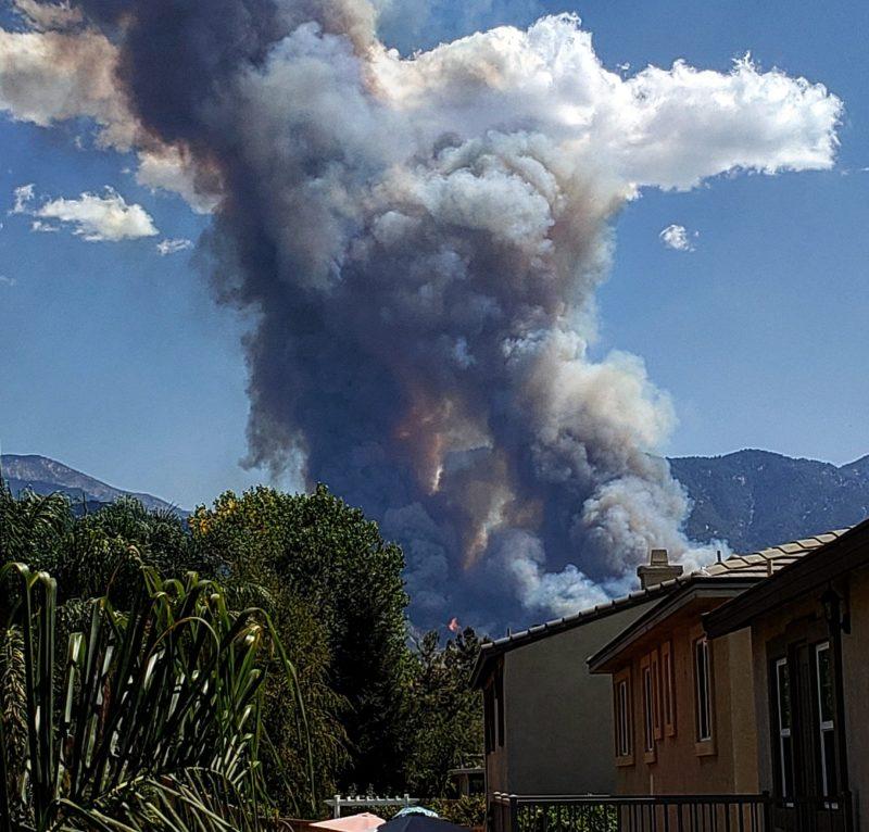 Órdenes de evacuación debido al incendio El Dorado que ha consumido 800 acres en Yucaipa
