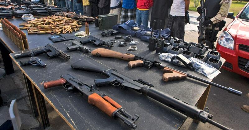 Tráfico de armas a cuentagotas, impulsado por el crimen organizado en la frontera con EU, desangra a México, destaca InSight Crime