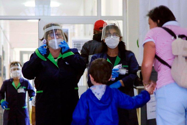 Italia detectó 13.000 casos de coronavirus entre el personal docente a días del regreso masivo a clases
