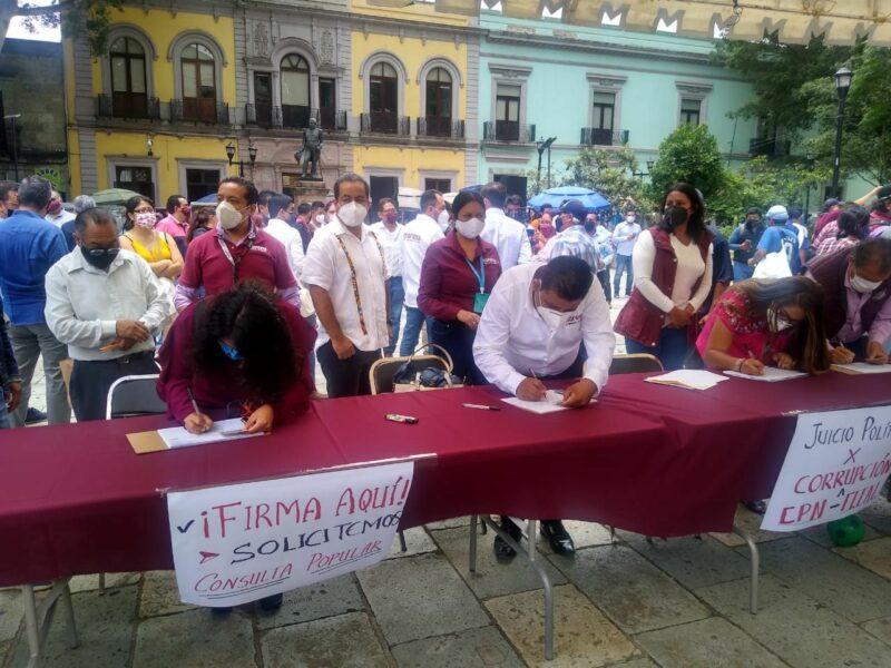 """""""Ya tenemos más de 2 millones de firmas"""", dicen organizadores de consulta contra expresidentes. Rebasan la cuota fijada por el INE"""