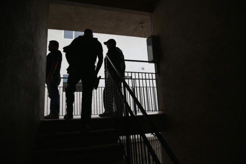 El Condado de Los Ángeles no hará transferencias a ICE sin una orden judicial, por ser camino de la cárcel a la deportación