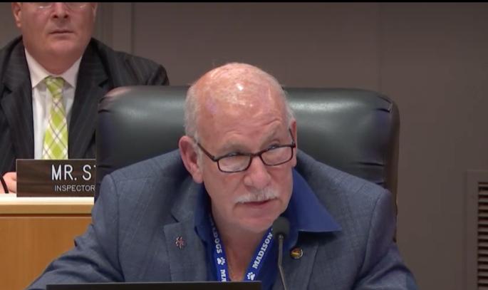La Junta Educativa de LAUSD rechaza cambios del gobierno federal al Título IX y en su lugar aprueba propuesta de Scott Schmerelson para proteger a víctimas de acoso y abuso sexual en planteles