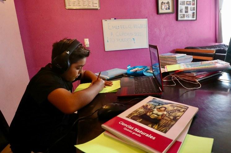 Participación del 95% de alumnos en clases a distancia en México