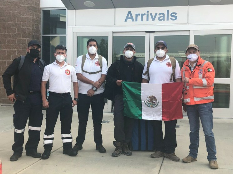 """Bomberos de Guanajuato pagan su viaje a Oregón a ayudar a combatir incendios. Washington Post recordó que Trump dijo que """"""""cuando México manda a su gente, ellos no están enviando a lo mejor"""""""