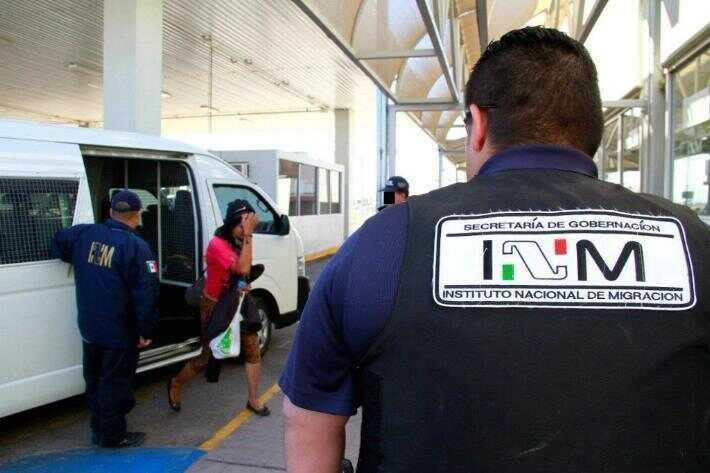 Cesan a mil 48 funcionarios del Instituto Nacional de Migración de México