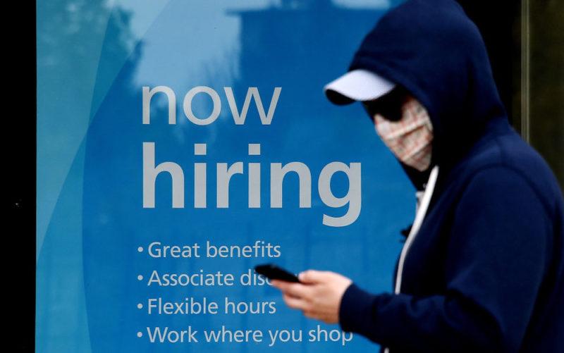 California comenzará a enviar nuevos cheques de ayuda de desempleo de $900 ; miles no calificaron para recibirla