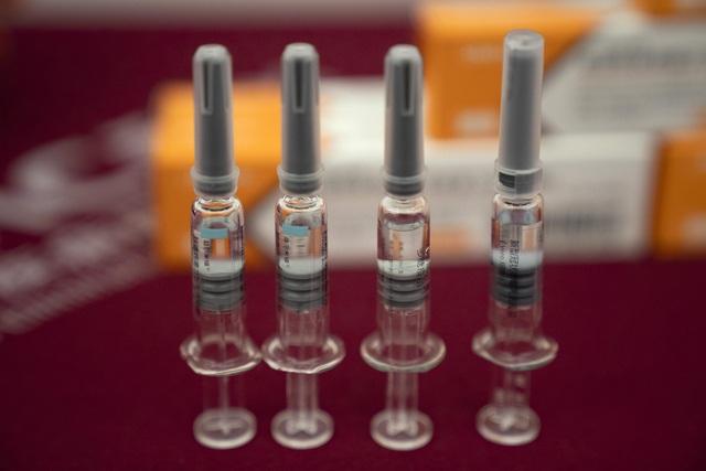 Anuncian 100 millones más de vacunas para países pobres