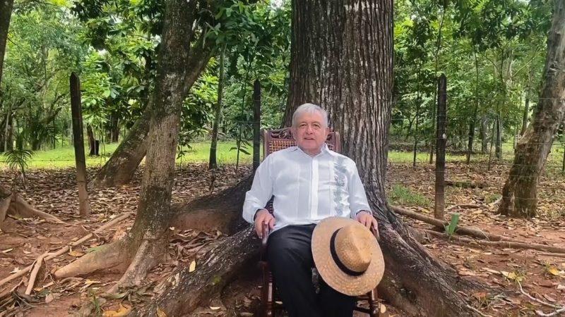 """Video: AMLO celebra lo de México Libre y sugiere a Calderón que recurra """"a quienes lo ayudaron"""" en 2006"""