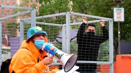 EU retiene durante más tiempo a migrantes para beneficiar a cárceles privadas