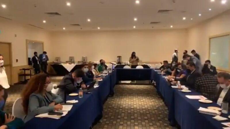 Pese a oposición, Morena y PES en el Senado aprueban dictamen de fideicomisos