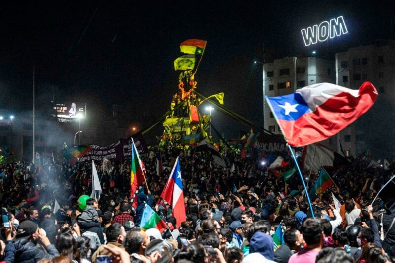 Chilenos quieren ciudadanos y no parlamentarios para redactar Constitución