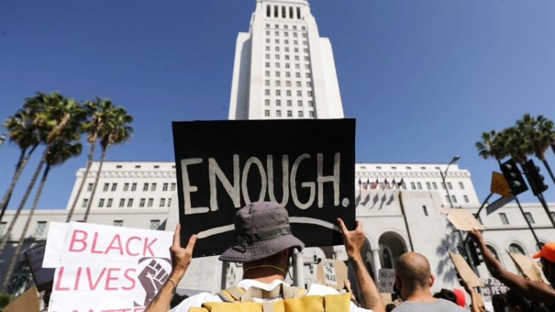 Crímenes de odio, al alza en en Condado de LA, cometidos, sobre todo, por supremacistas blancos