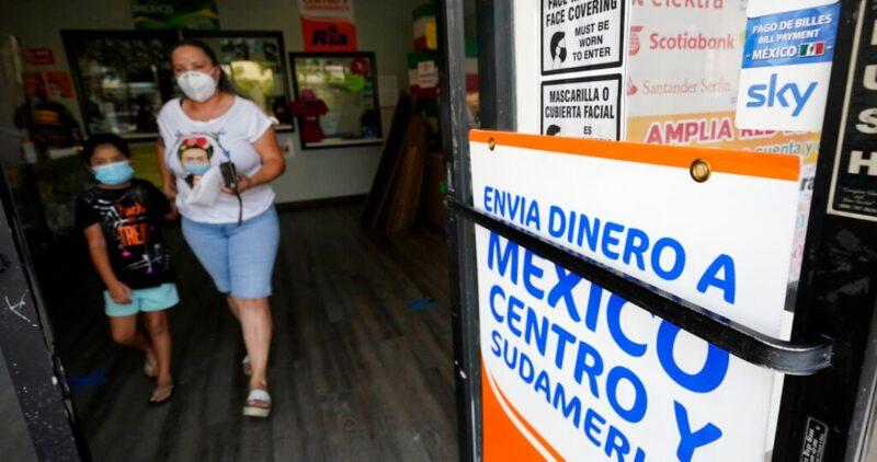El milagro de la pandemia: los mexicanos en EU sorprenden con el histórico envío de remesas