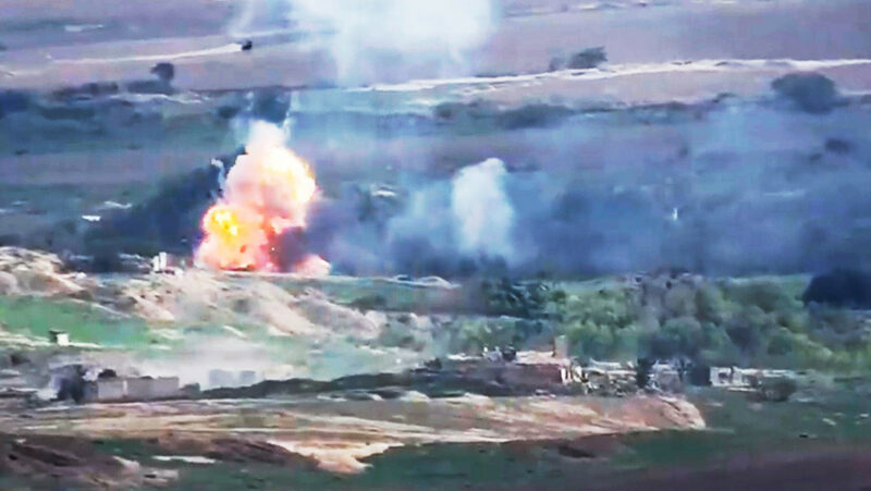 Video: Azerbaiyán vuelve a bombardear la capital de Nagorno Karabaj
