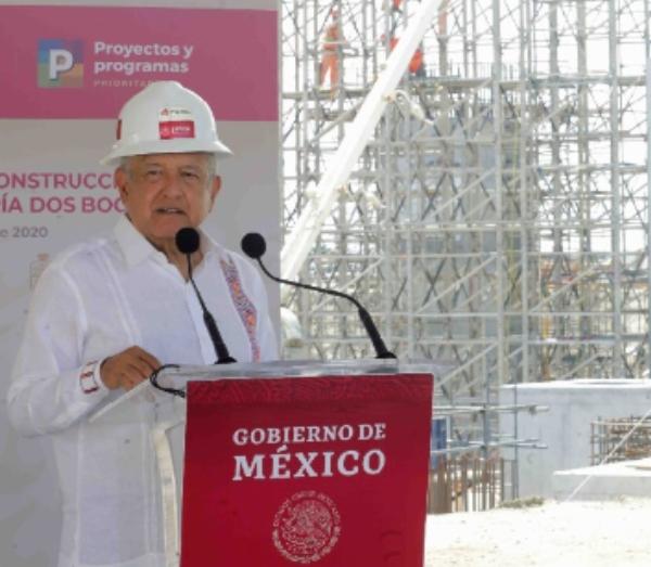 AMLO reitera que 'Dos Bocas' será inaugurada el 1 de julio de 2022 y un año después México será autosuficiente en gasolinas