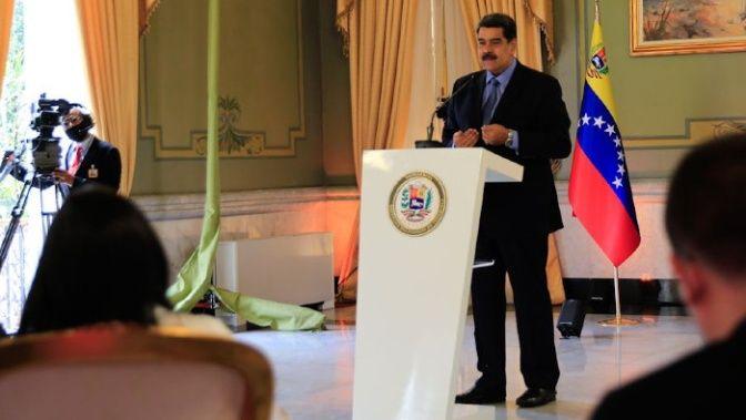Video: Maduro denuncia un ataque terrorista contra la principal refinería de Venezuela