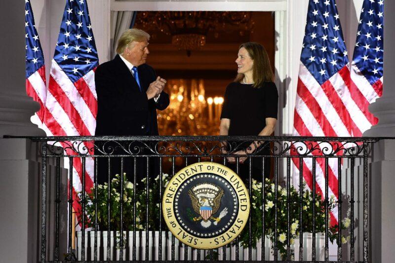 Celebra Trump confirmación de Coney Barret para la Corte Suprema