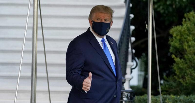 Trump tuvo una baja en el nivel de oxígeno, revelan médicos de la Casa Blanca. Recibió un esteroide. Sigue información confusa y contradictoria sobre su salud