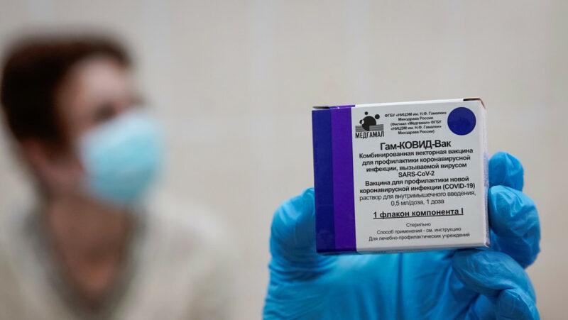 Videos: La efectividad de la vacuna Sputnik V permite empezar la vacunación masiva en las próximas semanas
