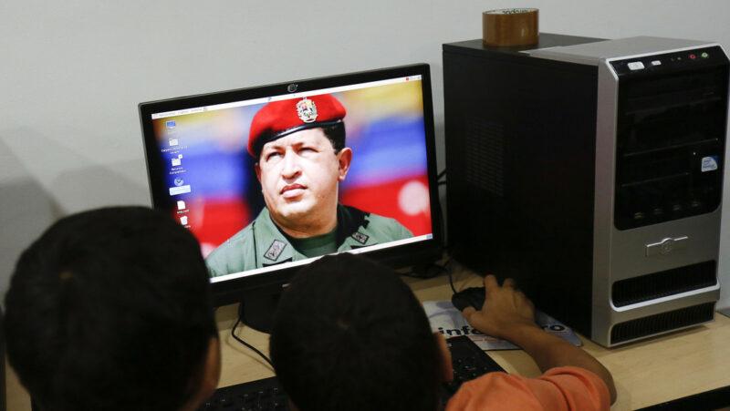 Absurdo y chistoso, afirmar que Hugo Chávez, fallecido hace 7 años, participó en la derrota de Trump, afirma Venezuela