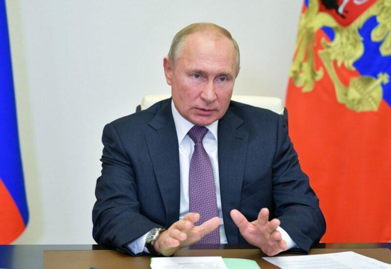 Kremlin: Putin no felicitará a Biden hasta que terminen los desafíos legales