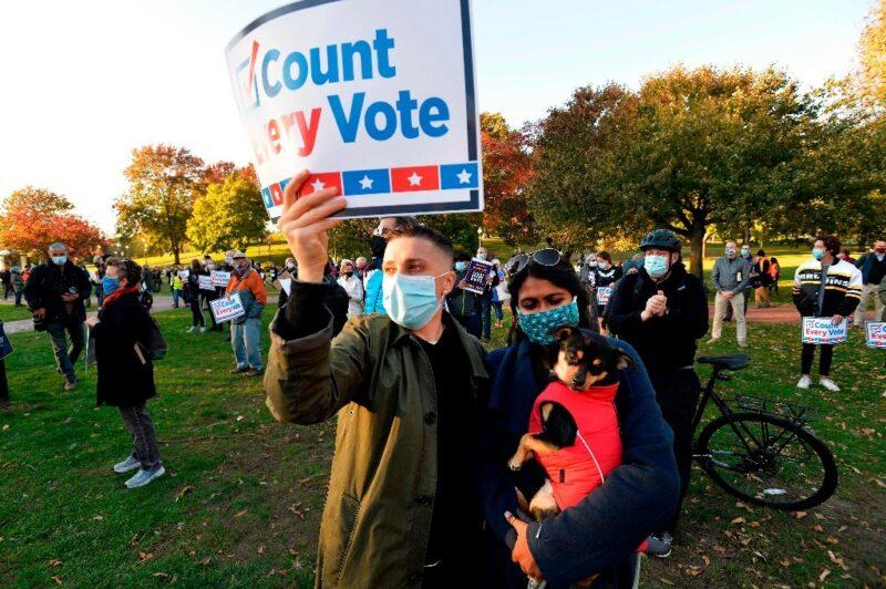 Video: Con siete estados por contar, las elecciones en EU siguen en el aire. Biden tiene más posibilidades de ganar