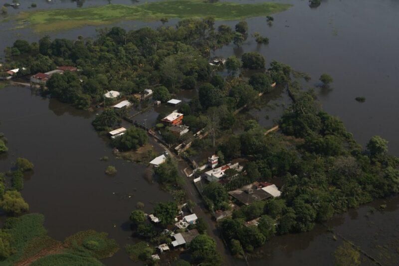 Video: Si no se cierra una compuerta, Villahermosa se inunda por completo: AMLO. Decidió la inundación de zonas pobres