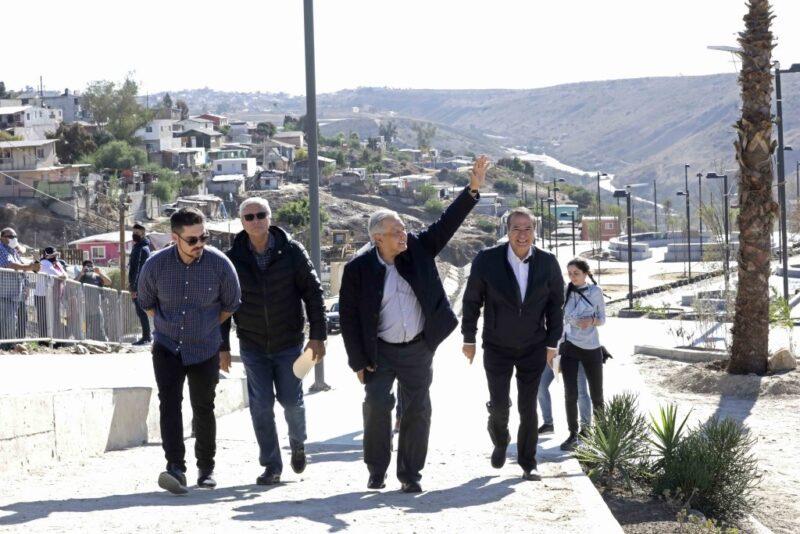 Demostrado que si se combate la corrupción y la impunidad, el presupuesto alcanza, destacó AMLO en nuevas instalaciones deportivas en zonas precaristas de Tijuana