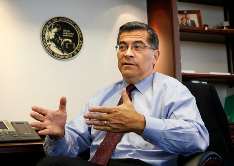 Fiscal de California pide reforzar la protección de los trabajadores ante nueva ola del coronavirus