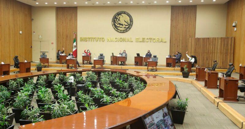 El INE aprueba que se postule al menos a 7 mujeres para las gubernaturas de 15 estados