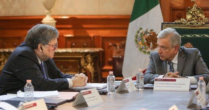 """""""México fue tajante: o retiran los cargos al General, o la DEA se va"""". Así lo dicen The New York TimesyVICE News"""