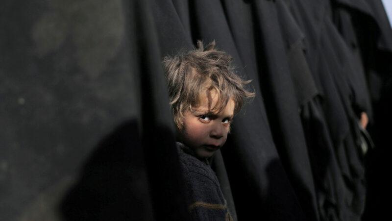 """Video: El mundo se enfrenta al """"mayor desafío humanitario desde la Segunda Guerra Mundial"""": ONU"""