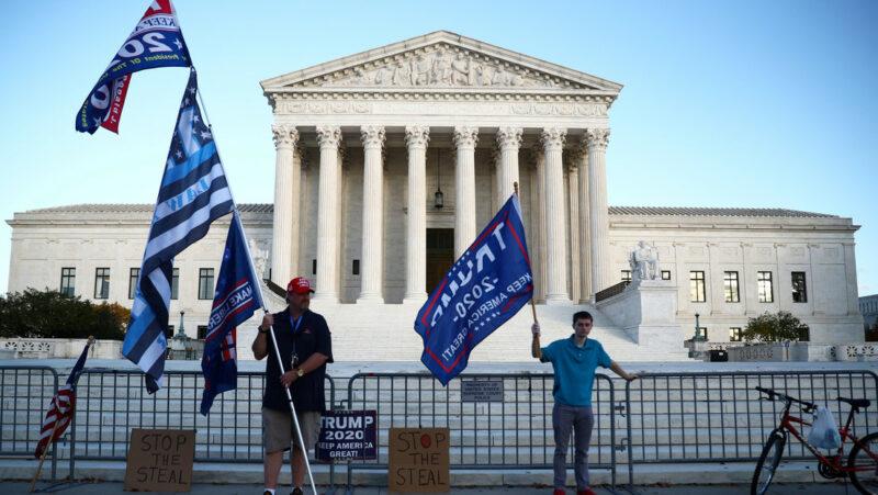 Video: Golpe definitivo a Trump: la Corte Suprema de EU rechaza la moción de Texas que demandaba invalidar resultados en estados clave que dieron el triunfo a Biden