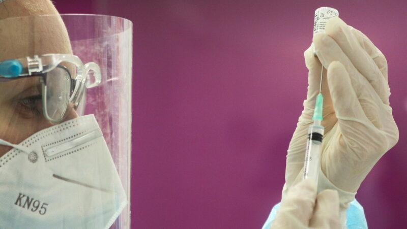Video: La vacuna contra covid-19 de Pfizer, primera autorizada por la OMS para uso de emergencia