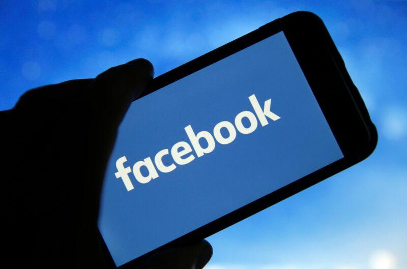 """Gobiernos federal y 48 estatales demandan a Facebook por """"abusar de su posición dominante"""""""