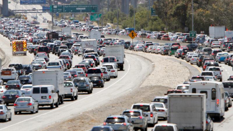 Video: En un día en California, 50 mil infectados de COVID y 400 muertes