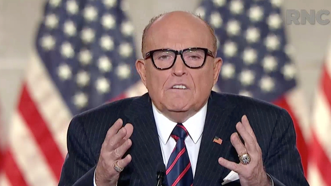 Rudy Giuliani, abogado de Trump, tiene COVID-19