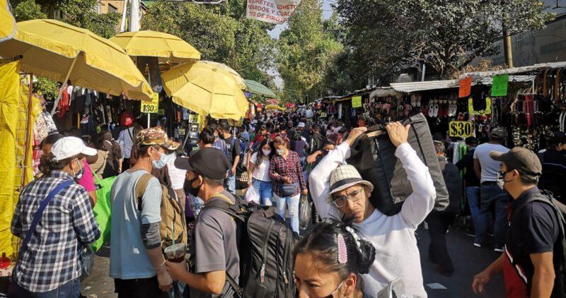 """Día 209 de """"la nueva normalidad"""": México llega a un millón 372 mil contagios y 121 mil muertes por COVID-19"""