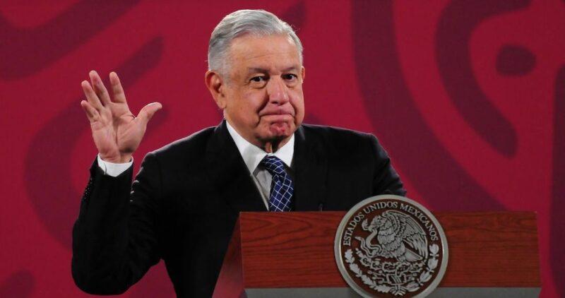 """El INE prohíbe a López Obrador usar sus conferencias para """"interferir"""" en las elecciones de 2021"""