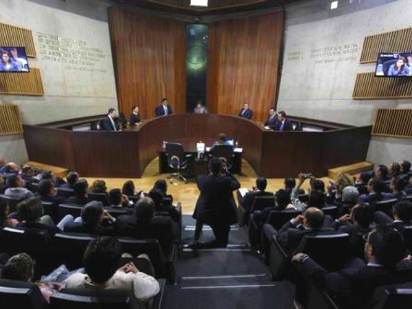 El Tribunal Electoral ordena a partidos postular a 7 mujeres para gobernadoras