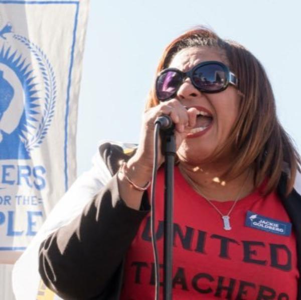 Salvar vidas, por encima de la presión política de privatizadores y legisladores que quieren reabrir escuelas: lideresa de maestros angelinos, Cecily Myart-Cruz