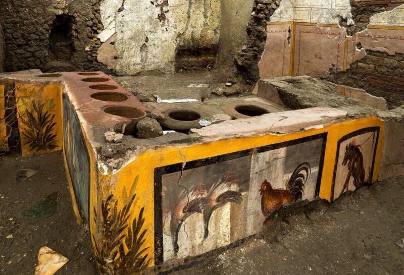 Hallan en Pompeya ruinas de expendio callejero de comida