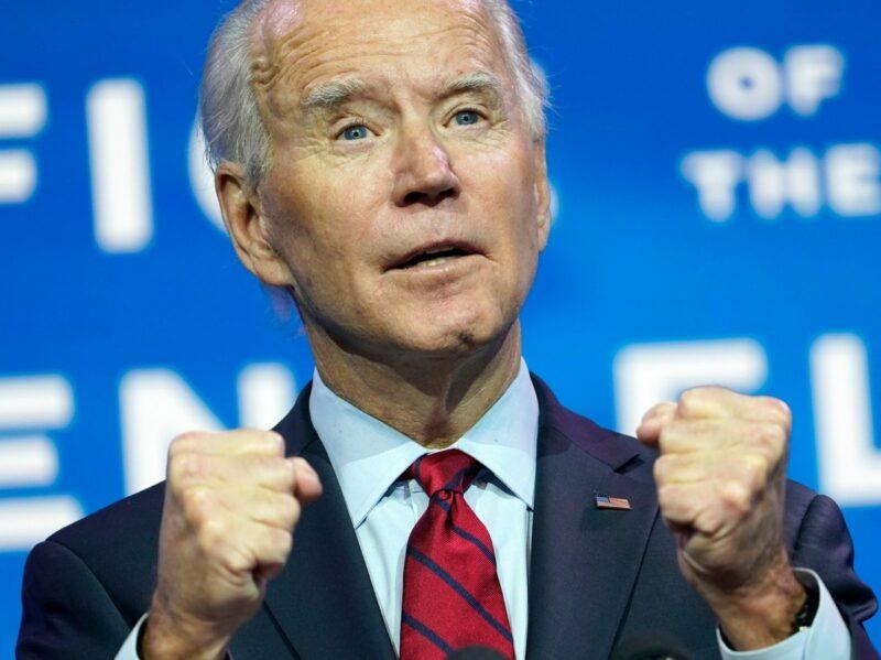 Ofrece Biden vacunar a 100 millones en 100 días. No será el fin de la epidemia, pero sí un cambio de su curso, dijo