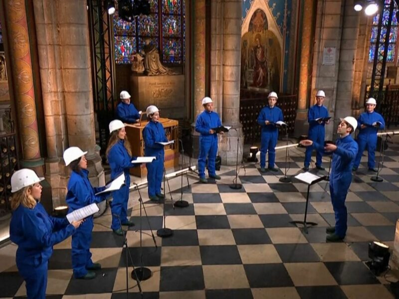 Video: Por primera vez, un coro canta en Catedral de Notre Dame tras incendio
