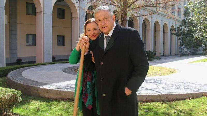 Video: AMLO y Beatriz desean le vaya bien a todos, incluidos adversarios. El 2021 será un mejor año, aseguran
