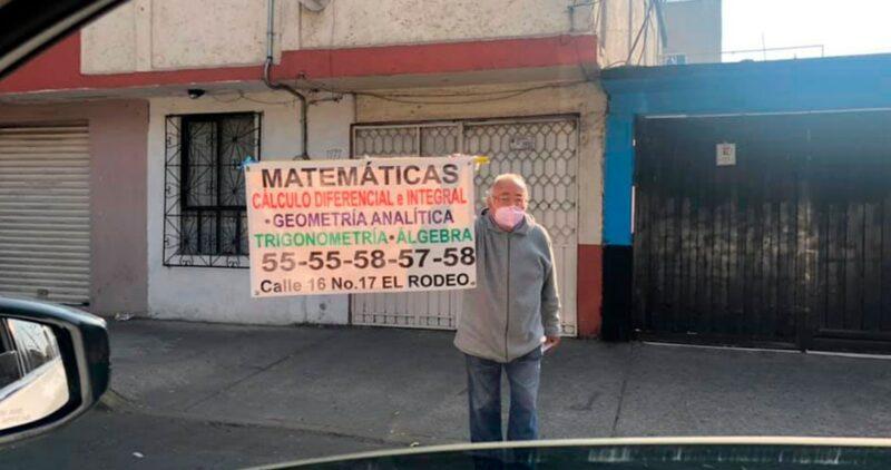 Un adulto mayor ofrece clases de matemáticas en calles de Ciudad de México y se vuelve viral en redes sociales
