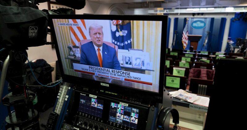 Sin mencionar su juicio político, Trump se lava la cara: condena la violencia en el asalto a Capitolio