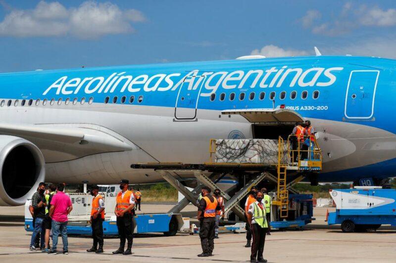 Videos: Aterriza en Argentina el avión con las 300.000 dosis del segundo componente de la vacuna rusa Sputnik V